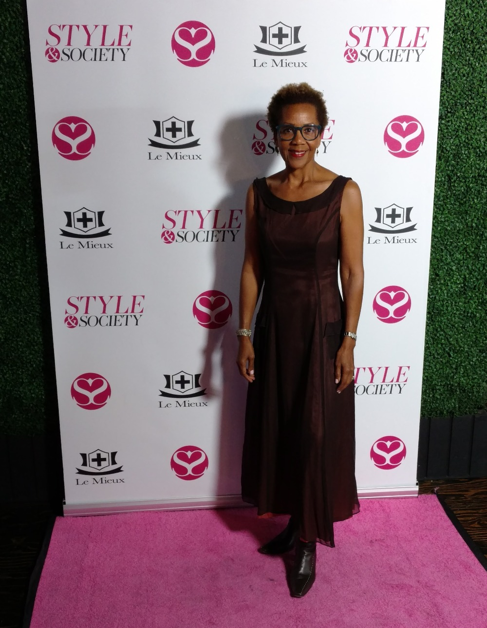 Rhonda P Hill VIP Guest LA Fashion Week EDGExpocom